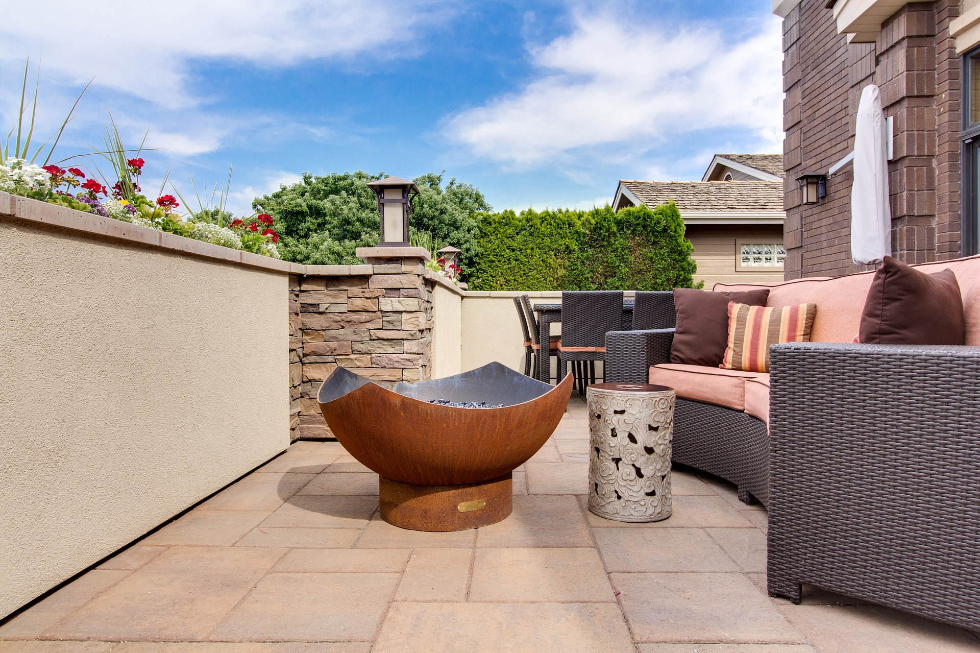 Outdoor living area STL tile